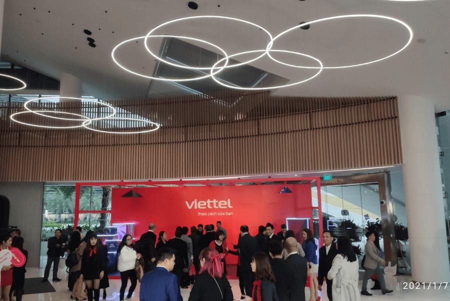 Ngay từ sớm đã có rất đông khách mời đến tham dự cùng với Viettel nhân sự kiện vô cùng quan trọng đánh dấu cột mốc thay đổi mới